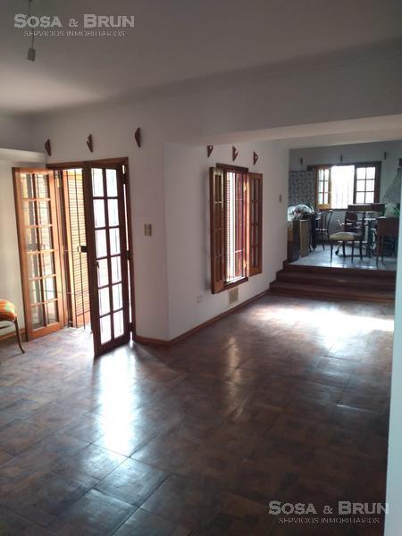 Foto Casa en Venta | Alquiler en  Escobar,  Cordoba Capital  Casa de 3 dormitorios en Zona Norte Bª Escobar se alquila / vende