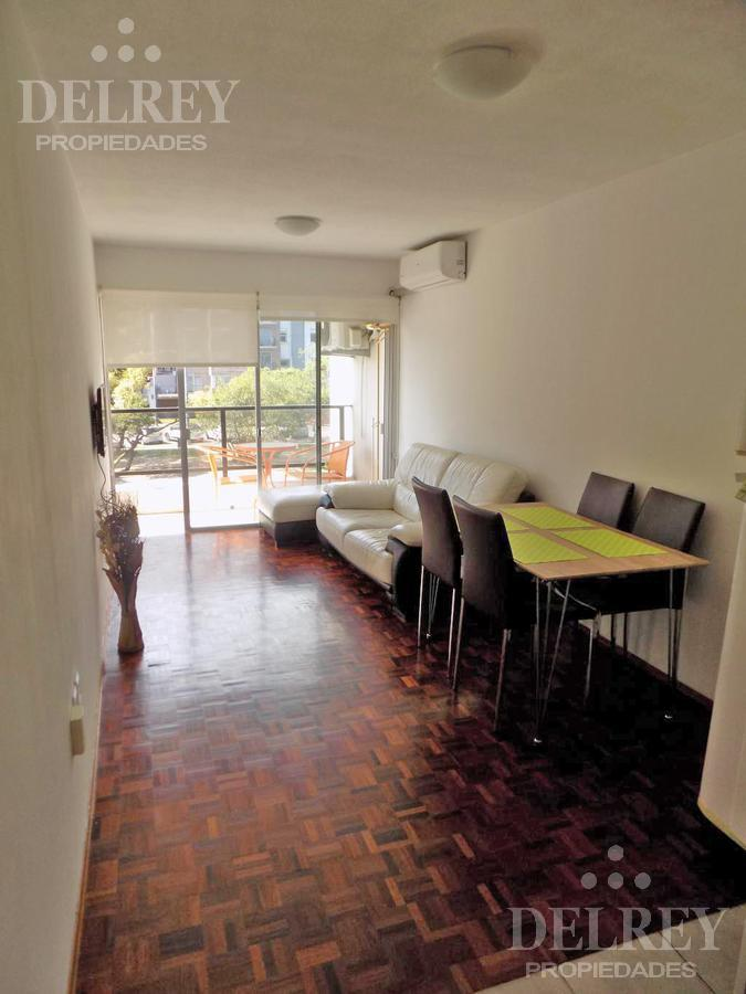 Foto Departamento en Alquiler en  Pocitos ,  Montevideo  Plaza Varela