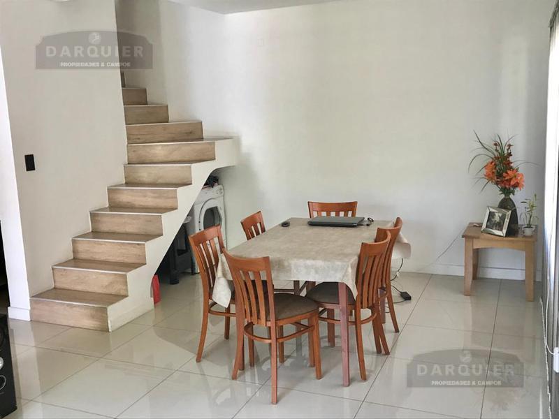 Foto Casa en Venta en  Adrogue,  Almirante Brown  COMODORO PY ESQUINA RAMIREZ