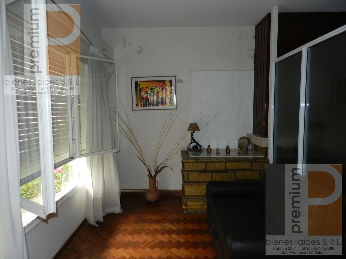 Foto Casa en Venta en  Catedral,  San Francisco  Av. Libertador (S) al 300