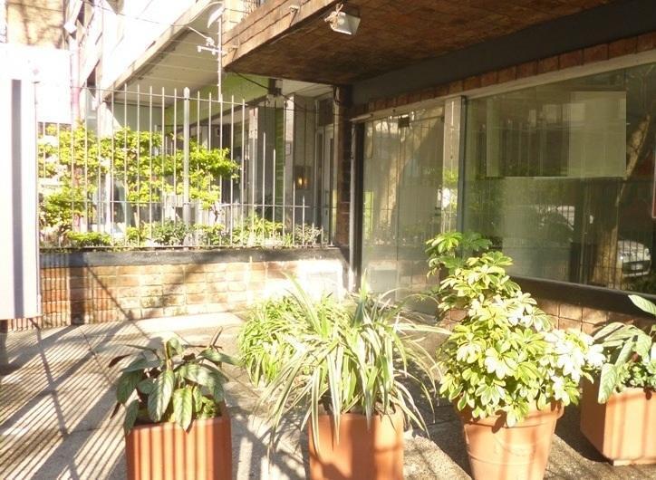 Foto Local en Alquiler en  Pocitos ,  Montevideo  BLANCO, JUAN BENITO 900