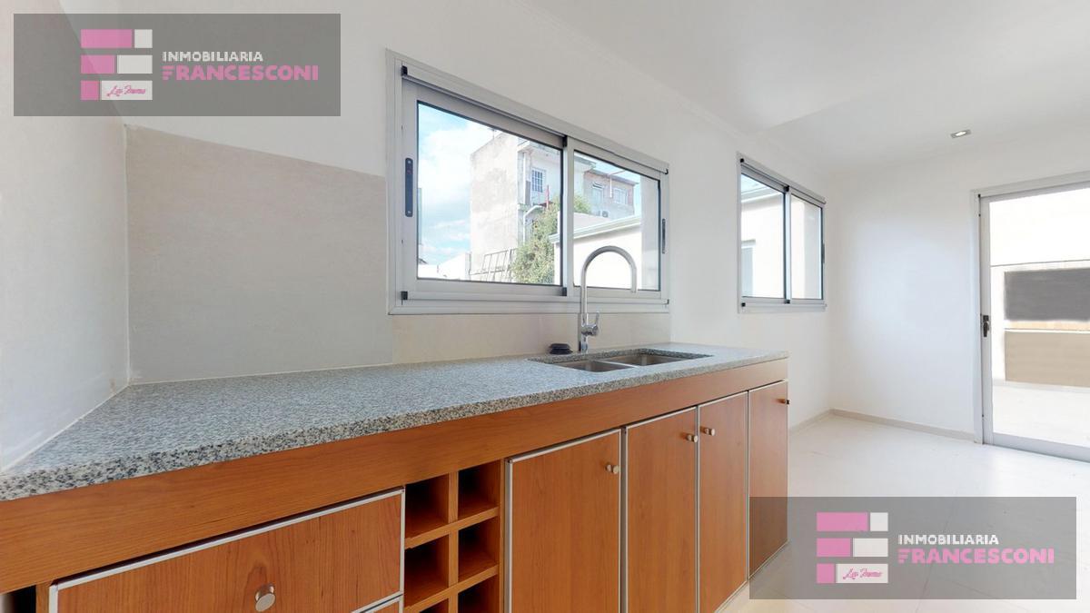 Foto Casa en Venta en  La Plata ,  G.B.A. Zona Sur  41 131 y 132