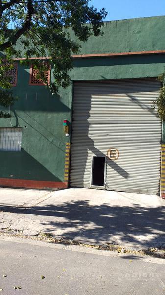 Foto Galpón en Alquiler en  Villa Riachuelo ,  Capital Federal  ferre al 6500