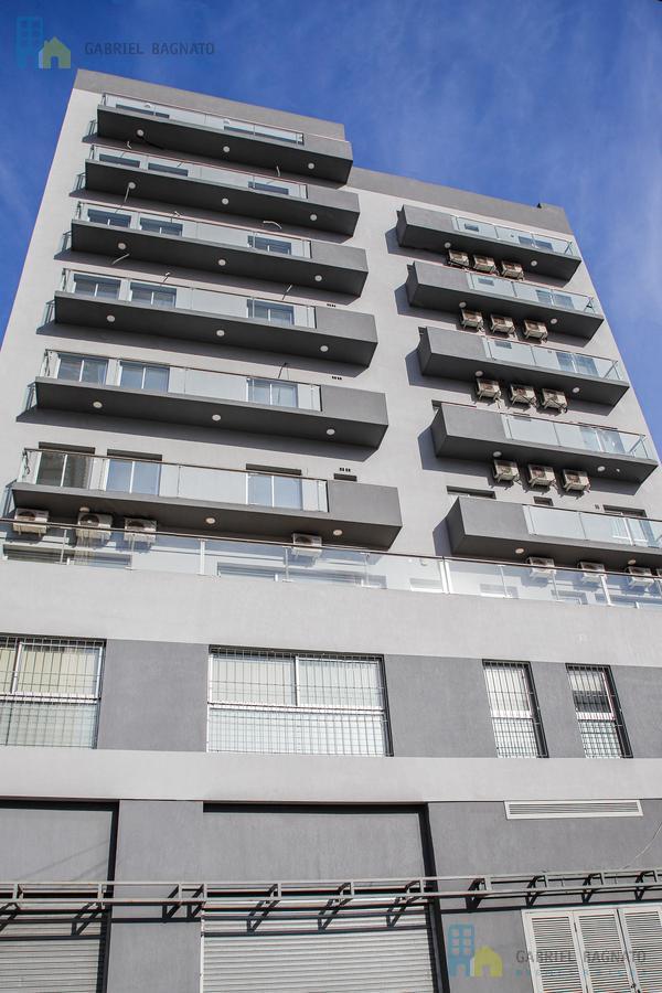 Foto Local en Venta en  Quilmes,  Quilmes  Brown al 667 Local 2