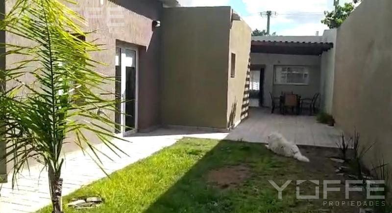 Foto Casa en Venta en  Villa Tomás Mason Norte y Sur,  Santa Rosa  Villa Tomás Mason Norte y Sur