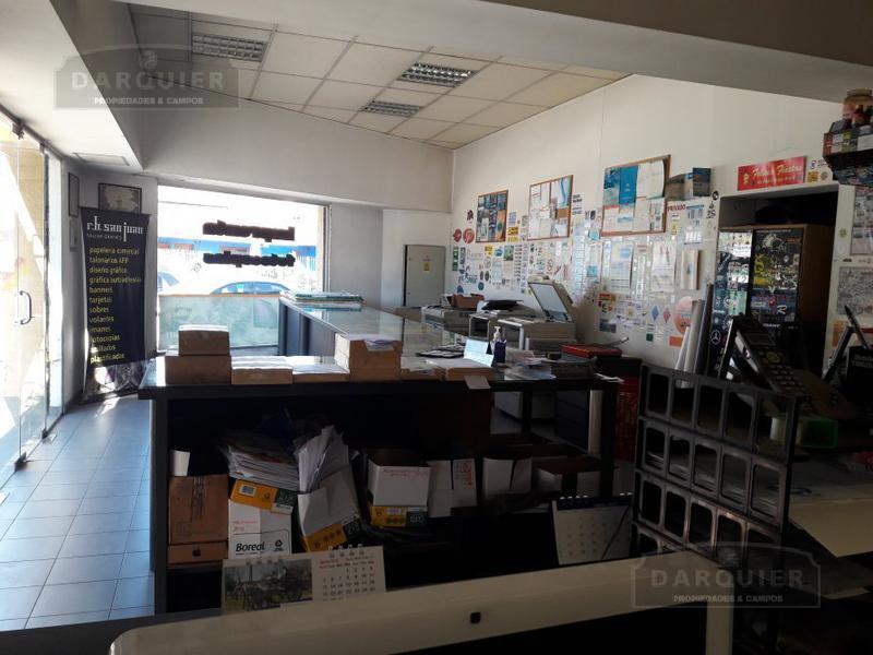 Foto Local en Venta en  Adrogue,  Almirante Brown  PLAZA ROSALES 75