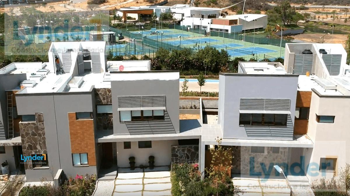 Foto Terreno en Venta en  Altozano el Nuevo Queretaro,  Querétaro  TERRENO EN VENTA EN ALTOZANO QUERETARO. PLANO Y REGULAR L44