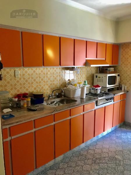 Foto Casa en Venta en  Adrogue,  Almirante Brown  FRIAS 323