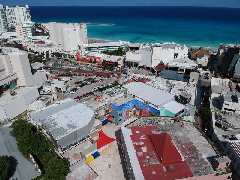 Cancún Local for Venta scene image 5