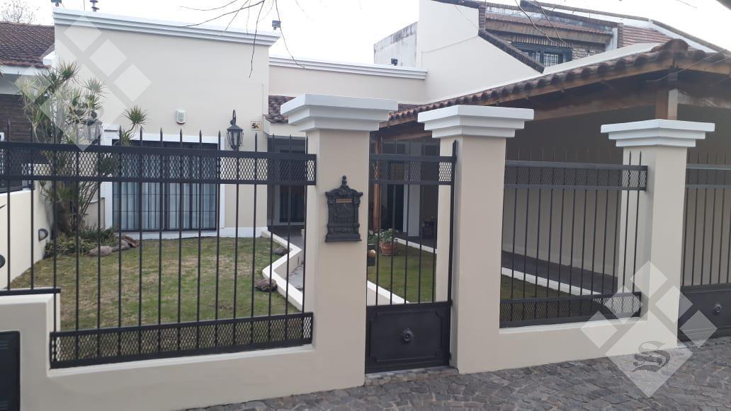 Foto Casa en Alquiler en  Ituzaingó Norte,  Ituzaingó  Martin Rodriguez al 900