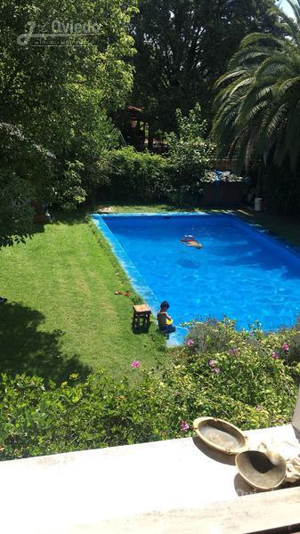 Foto Casa en Venta en  Villa Santos Tesei,  Hurlingham  Paisandu al 900