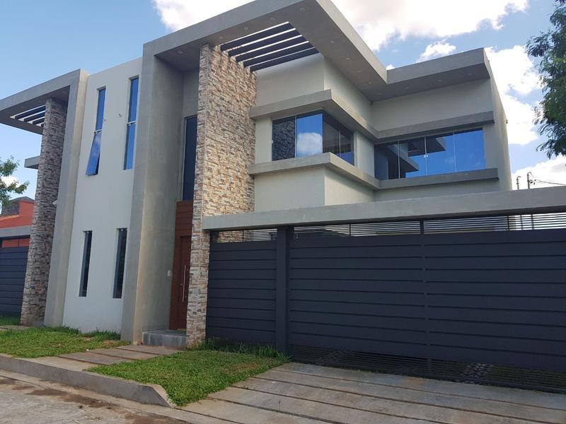 Foto Casa en Venta en  Luque,  Luque  Vendo duplex A Estrenar Zona Grupo  Habitacional Aeropuerto