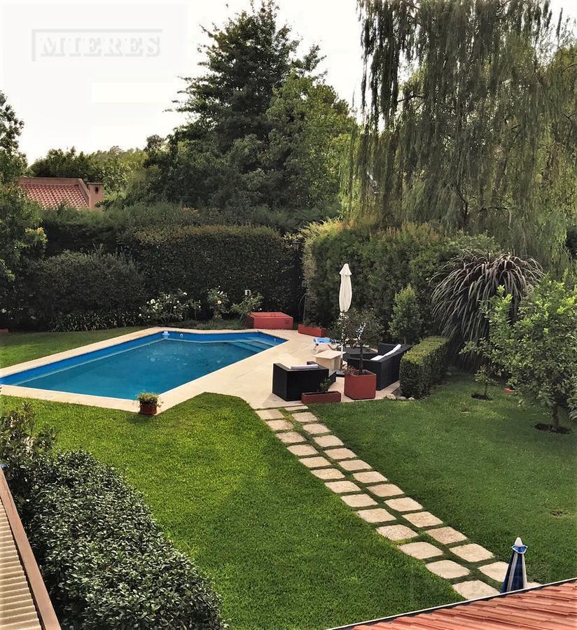 MIERES Propiedades- Casa de 255 mts en El Mirasol