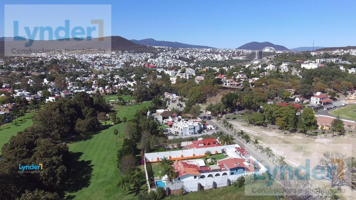 Foto Terreno en Venta en  Juriquilla,  Querétaro  TERRENO HABITACIONAL EN VENTA SOBRE EL CAMPO DE GOLF DE JURIQUILLA QUERÉTARO