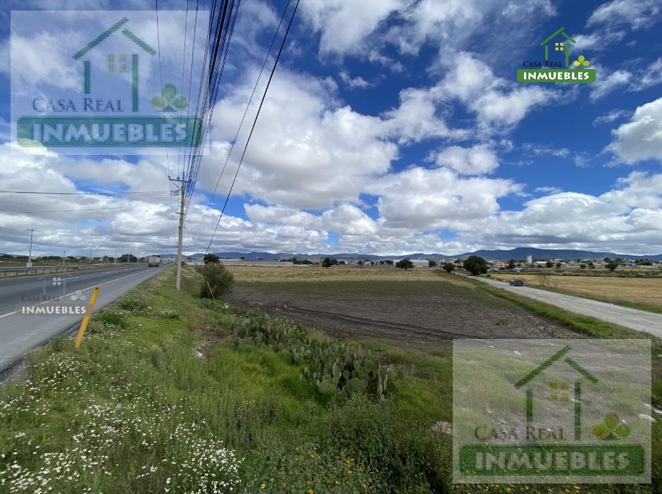 Foto Terreno en Venta en  Pueblo Santa María la Calera,  Mineral de la Reforma  Terreno en Venta  sobre autopista Cd. Sahagun - Pachuca