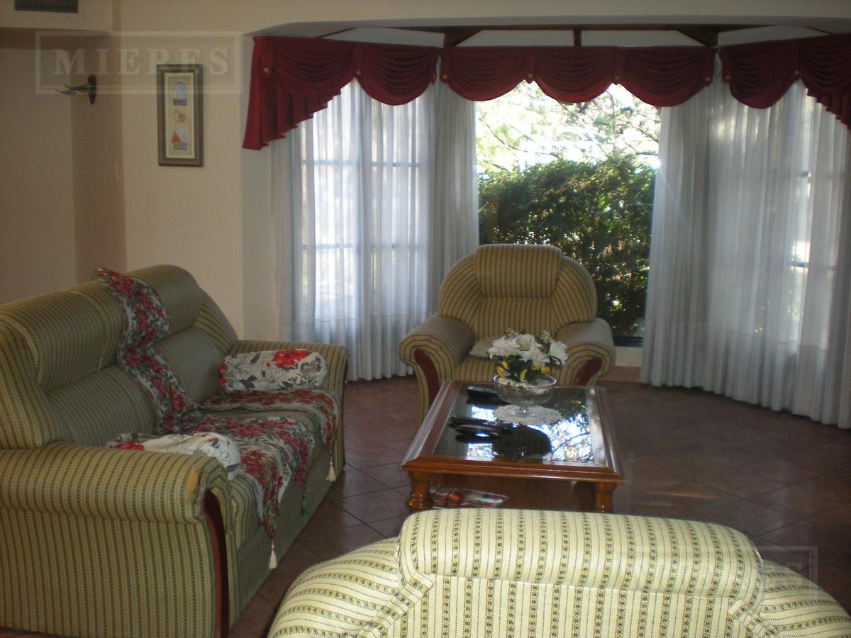 Mieres Propiedades - Casa en venta en Olivos Golf Club