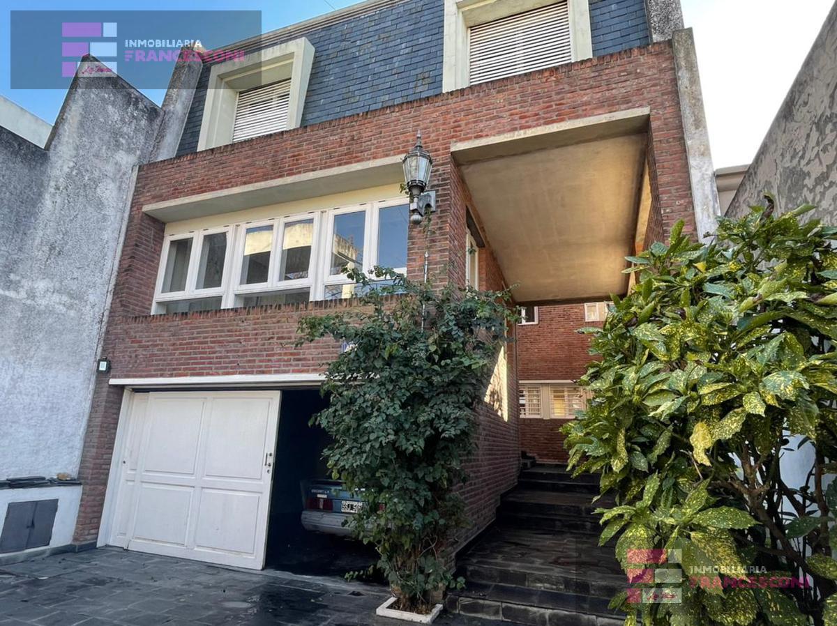 Foto Casa en Venta en  La Plata,  La Plata  39 26 y 27