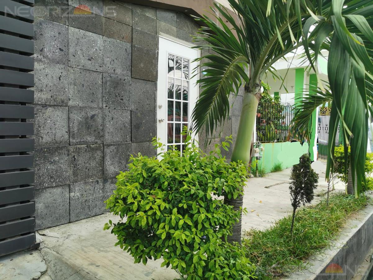 Foto Local en Renta en  Benito Juárez,  Ciudad Madero  Oficina en renta con servicios incluidos Lucio Blanco, Cd. Madero.