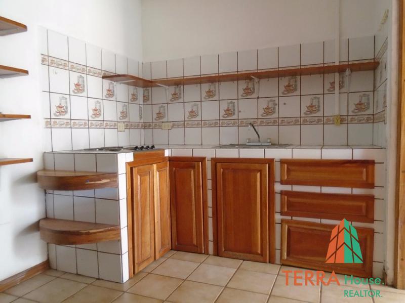 Foto Casa en condominio en Renta |  en  Colon,  Mora  SE ALQUILA, RESIDENCIA DE UNA PLANTA, PISCINA Y MUCHA ÁREA VERDE. FC