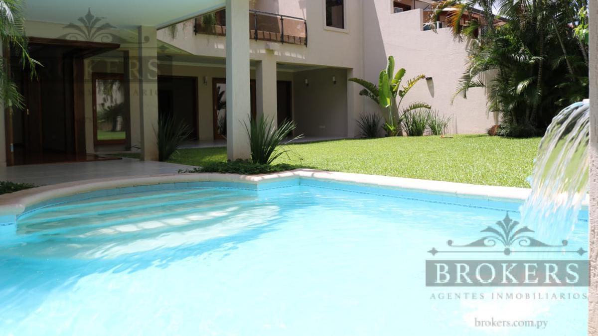 Foto Casa en Venta | Alquiler en  Manorá,  Santisima Trinidad  Vendo o Alquilo Exclusiva Residencia De 3 Suites Con Piscina En Manora