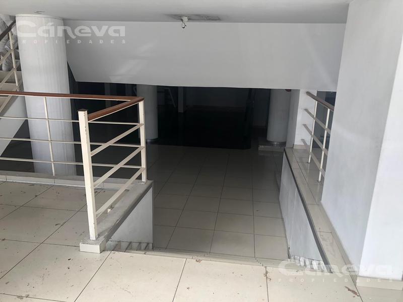 Foto Local en Venta | Alquiler en  Vicente López ,  G.B.A. Zona Norte  Maipu al 1300