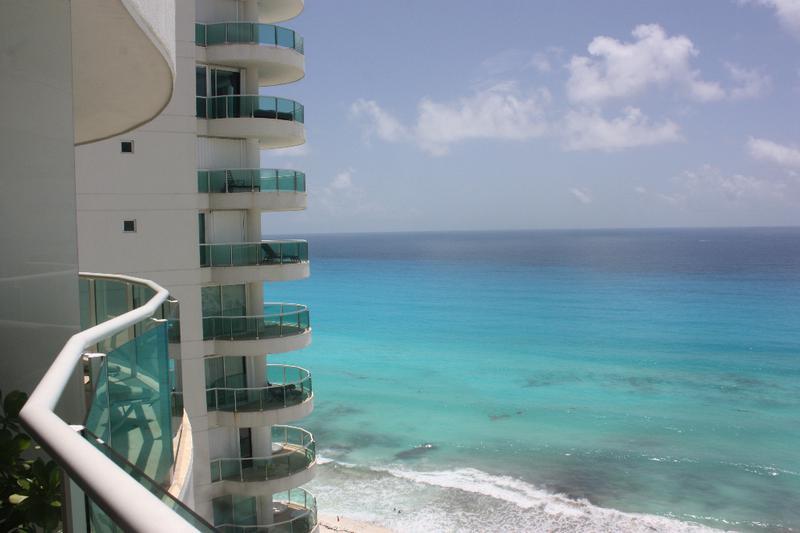 Foto Departamento en Renta en  Zona Hotelera,  Cancún  Departamento amueblado en Renta  frente al mar en Bay View Grand de 2 recámaras