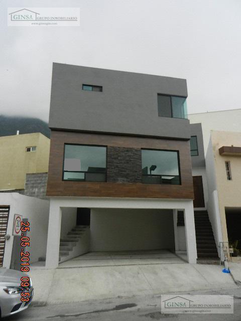 Foto Casa en Venta |  en  Lomas del Vergel,  Monterrey  GN-2063