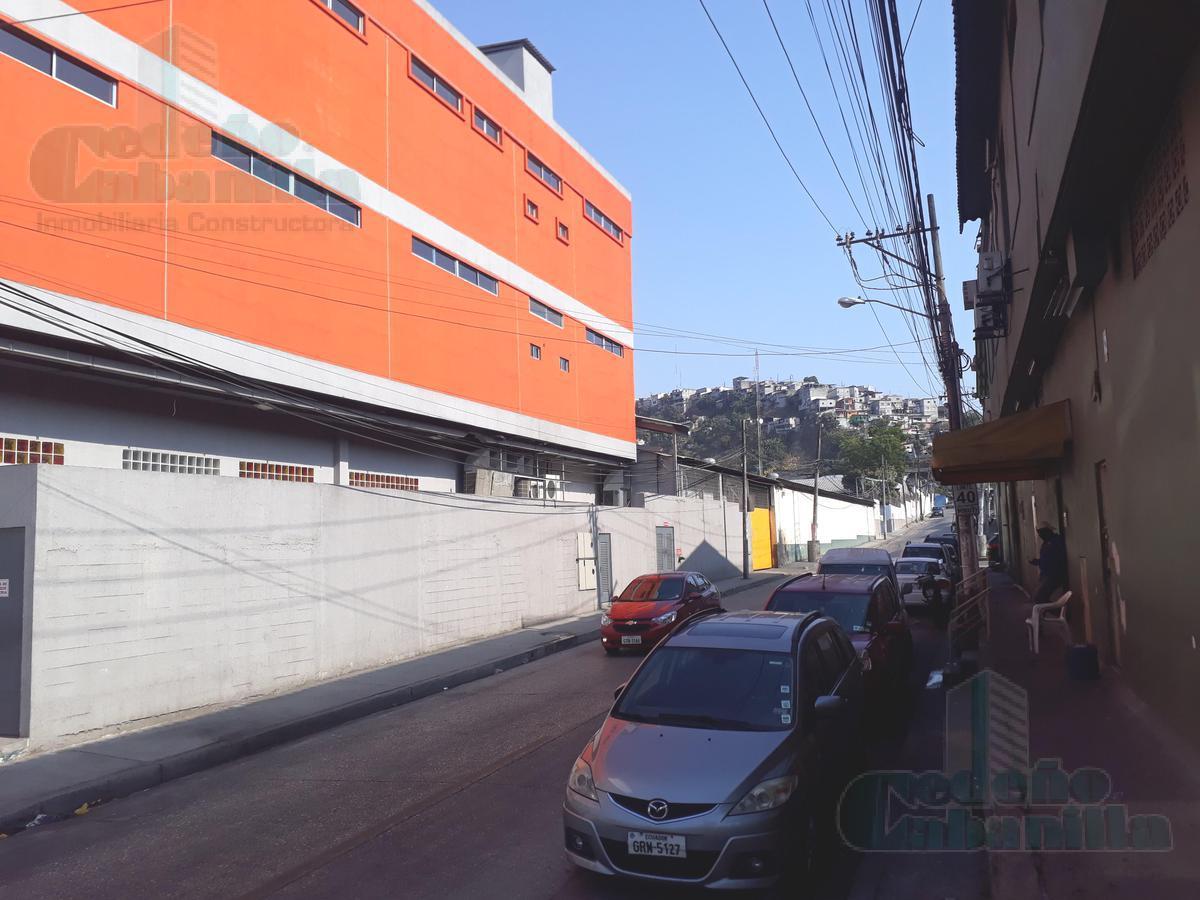 Foto Edificio Comercial en Venta en  Norte de Guayaquil,  Guayaquil                ESTRATÉGICO EDIFICIO COMERCIAL IDEAL PARA EMPACADORA