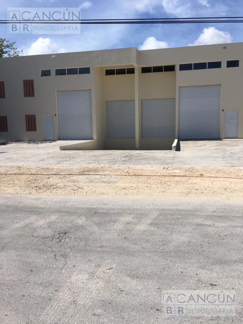 Foto Bodega Industrial en Renta en  Benito Juárez ,  Quintana Roo  NAZARET