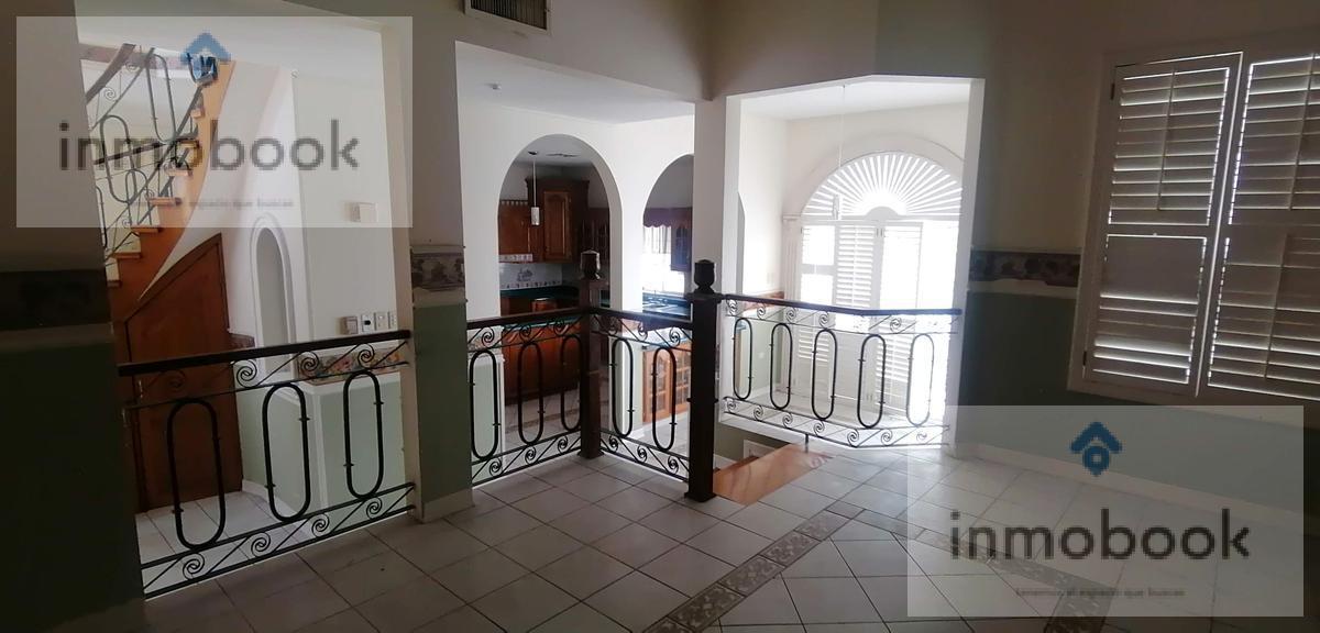 Foto Casa en Venta en  Residencial Cumbres,  Chihuahua  Casa en Venta Residencial Cumbres, Frente a Parque