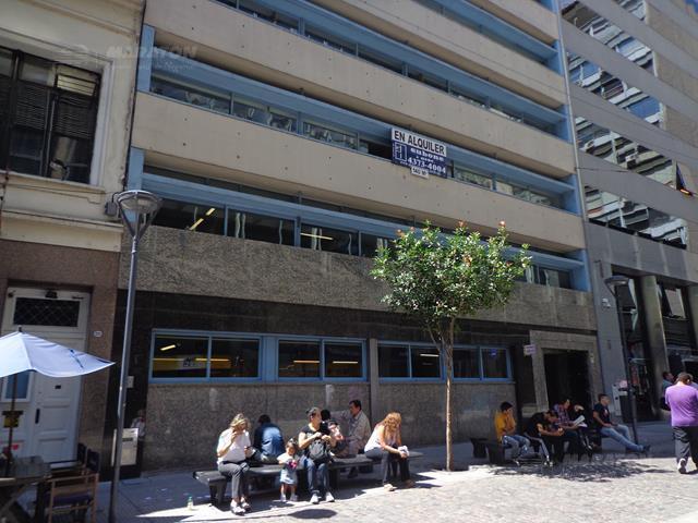 Foto Oficina en Alquiler en  Microcentro,  Centro  Carabelas al 200