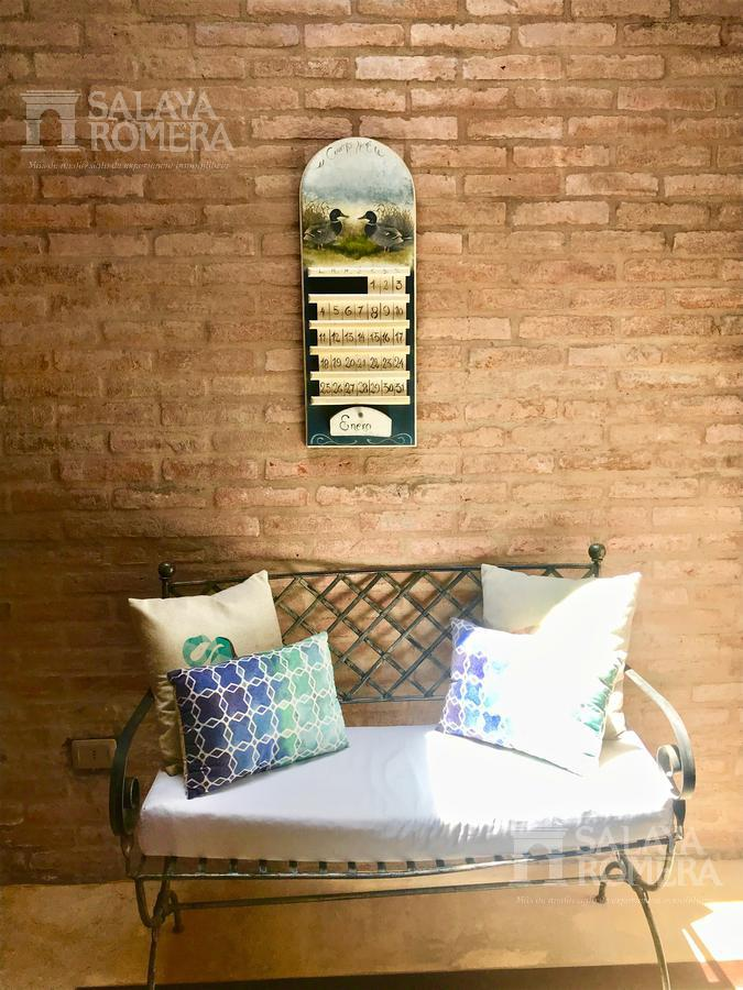 Foto Casa en Venta en  Manantiales ,  Maldonado  Casa en venta 5 dormitorios con baño en suite, piscina y parrillero propio, Manantaiales, Punta del Este