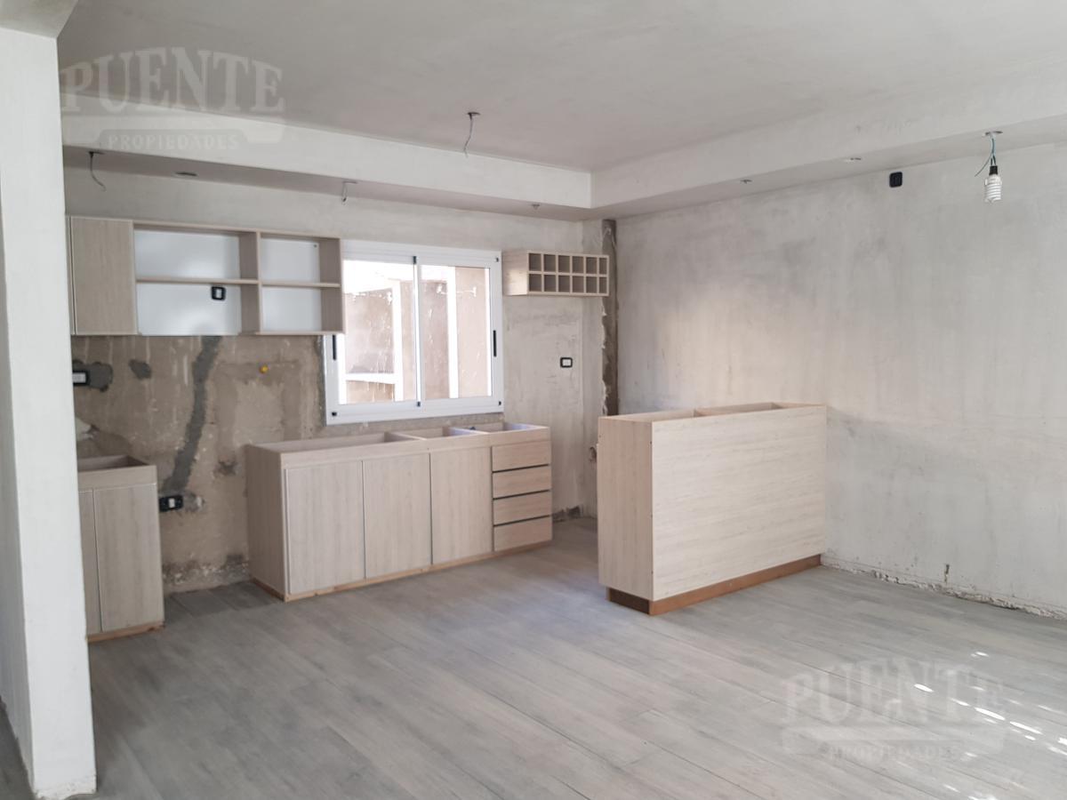 Foto Casa en Venta | Alquiler en  Lomas de Zamora Oeste,  Lomas De Zamora  Castelli 658 2°