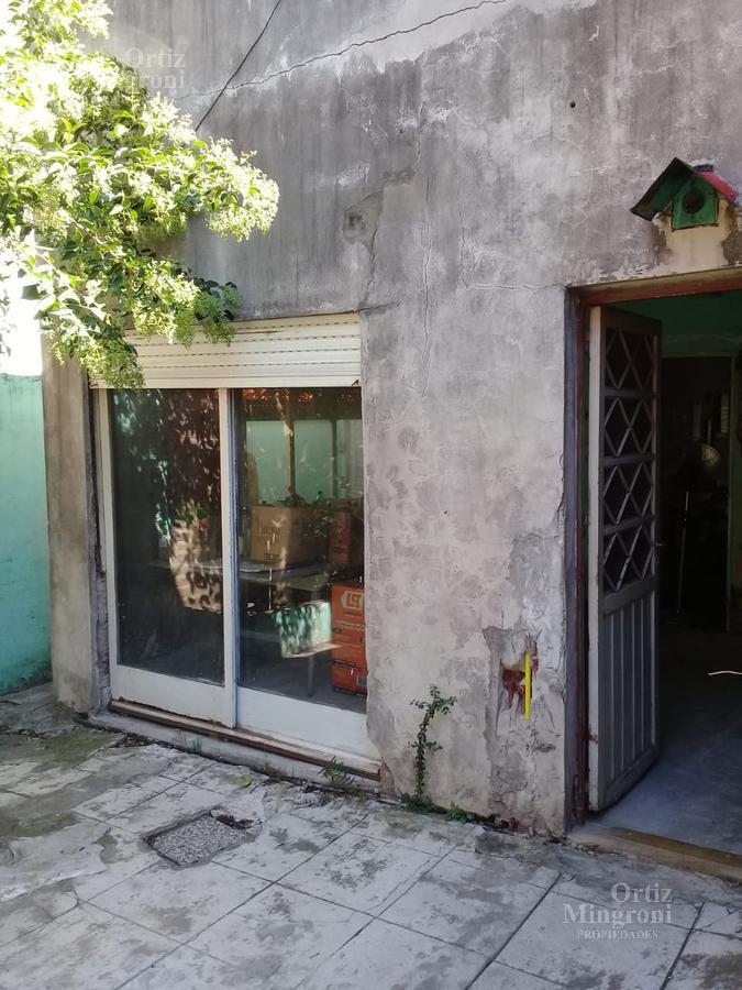 Foto Casa en Venta en  Lomas De Zamora ,  G.B.A. Zona Sur  Saenz al 2300