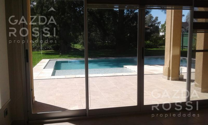 Foto Casa en Venta en  Saint Thomas,  Countries/B.Cerrado (E. Echeverría)  Propiedad a la venta en SAINT THOMAS ESTE