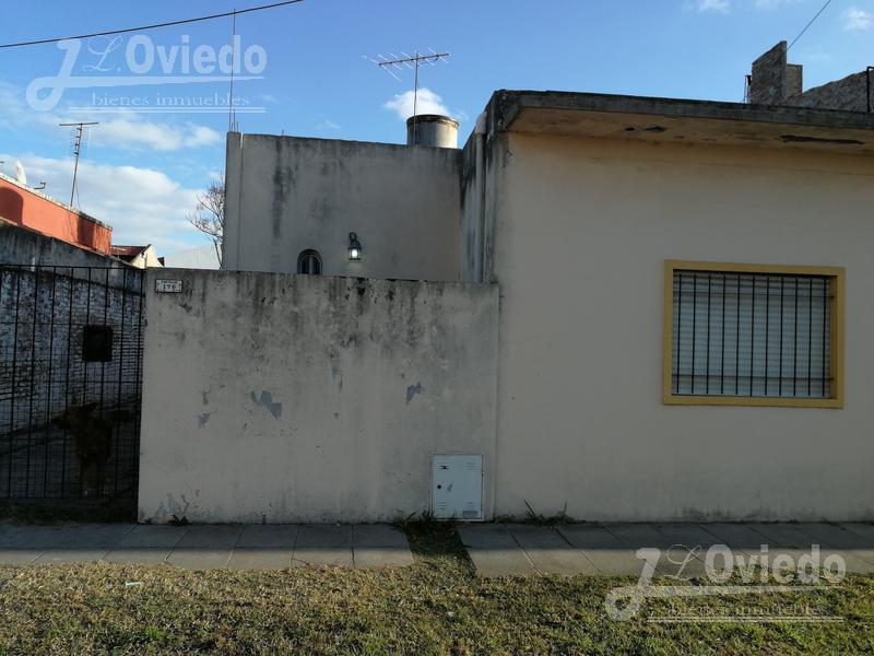 Foto Casa en Venta en  Villa Santos Tesei,  Hurlingham  castellio al 100