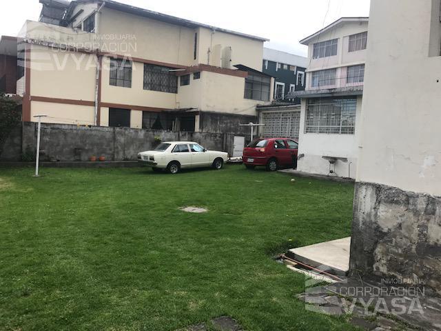 Foto Casa en Venta en  Centro Norte,  Quito  Av. La Gasca - C.C. América 2 Casas adosadas de venta 436 m2 Totales