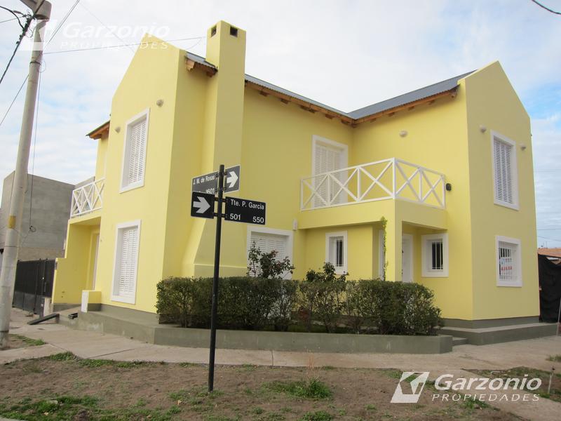 Foto Casa en Alquiler en  Trelew ,  Chubut  Teniente Garcia al 500