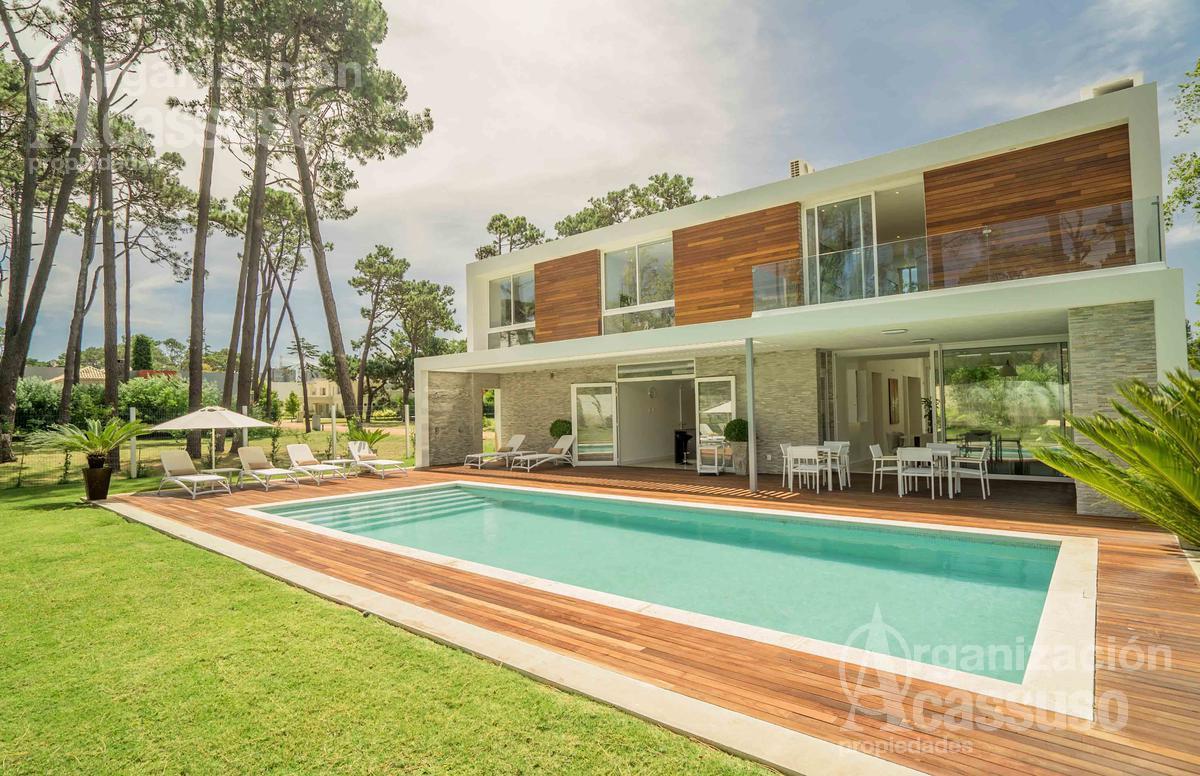 Foto Casa en Alquiler en  Playa Mansa,  Punta del Este  Boulevard Park Punta del Este