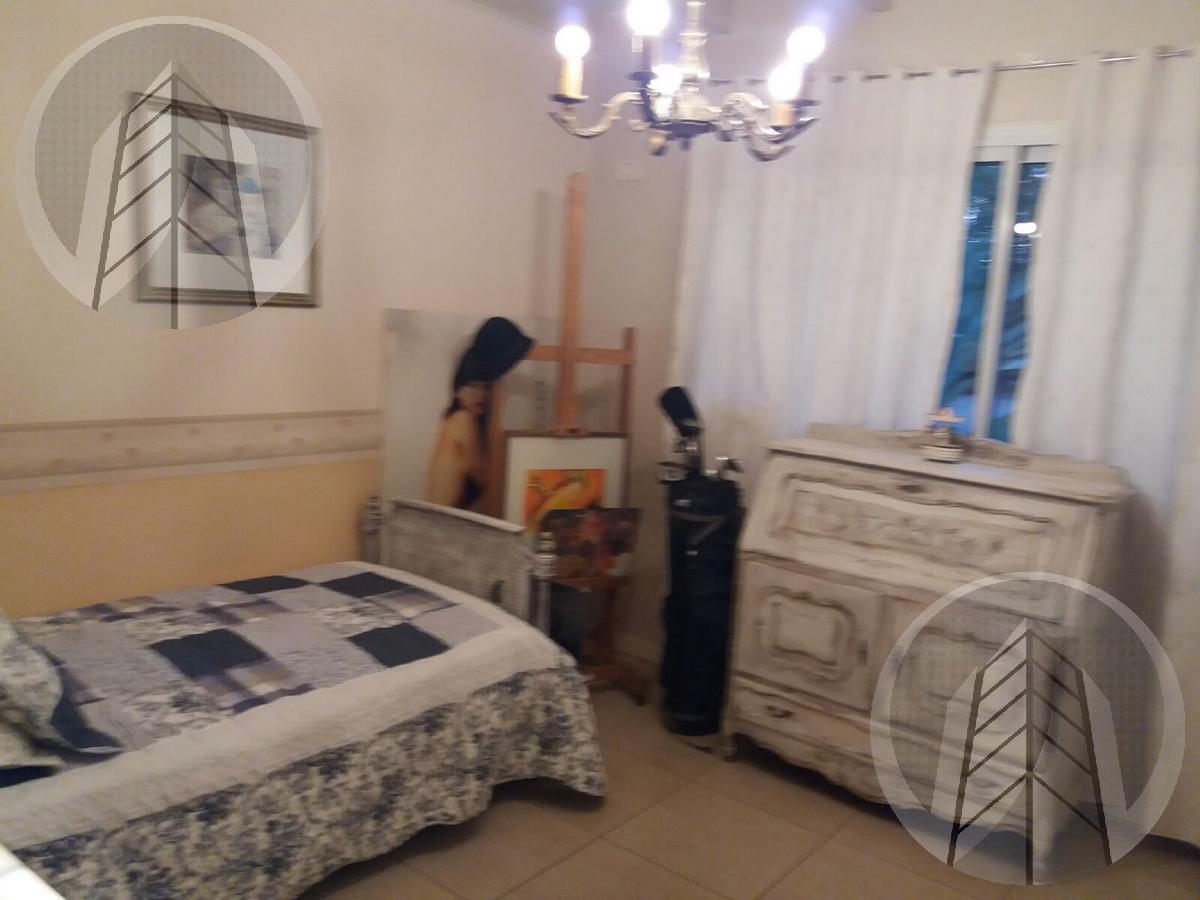 Foto Casa en Alquiler temporario en  La Madrugada,  Countries/B.Cerrado (Pilar)  Av Caamaño al al 500