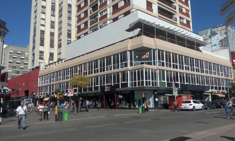 Foto Local en Venta en  Centro,  Mar Del Plata  San Martin y San Luis