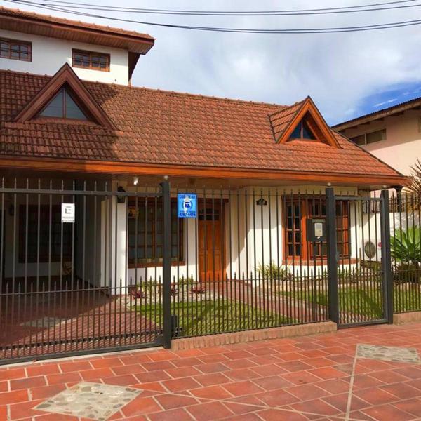 Foto Casa en Venta en  Quilmes,  Quilmes  Lugones 220