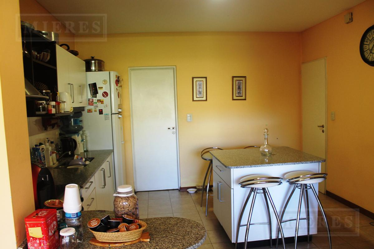 MIERES Propiedades- Casa de 263 mts en Los Potrillos