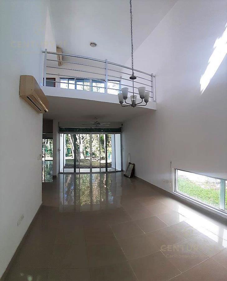 Fraccionamiento Playacar Fase II House for Sale scene image 2