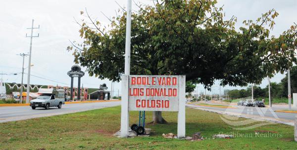 Foto Bodega Industrial en Venta en  Cancún ,  Quintana Roo  Bodega en Venta en Cancun/Boulevard Luis Donaldo Colosio