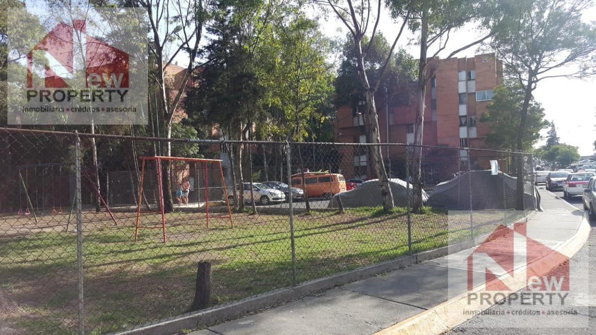 Foto Departamento en Venta en  Alvaro Obregón ,  Ciudad de Mexico  se vende amplio departamento en PB  en lomas de becerra