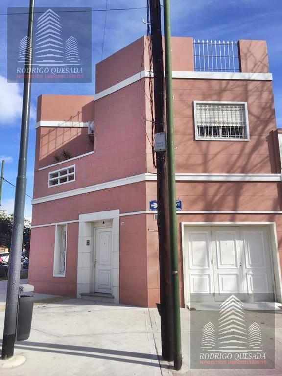 Foto Casa en Venta en  Flores Norte,  Flores  Amplia casa en Flores, CABA