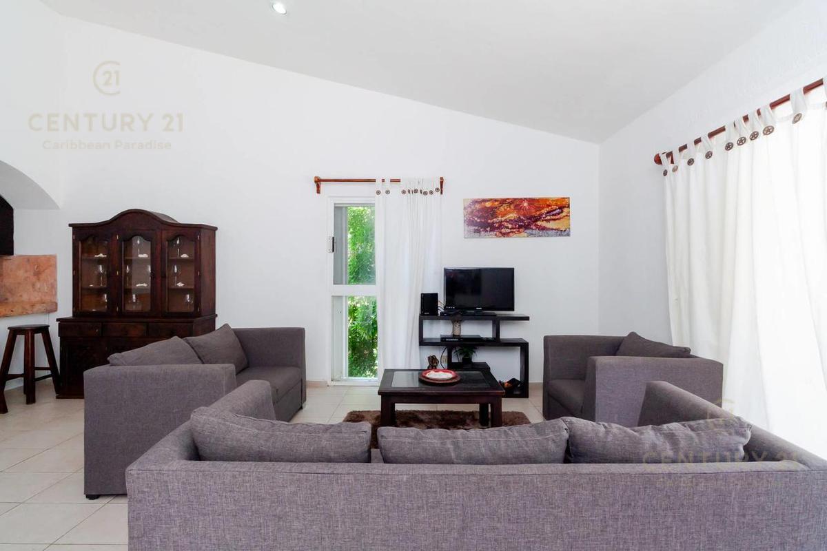 Fraccionamiento Playacar Fase II Apartment for Rent scene image 5