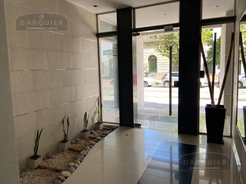 Foto Departamento en Venta en  Banfield,  Lomas De Zamora  TALCAHUANO 110 PISO 8º C