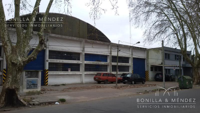 Foto Local en Venta en  Colón ,  Montevideo  Alberico Passadore nº 1931/33 entre Camino Besnes E. Irigoyen y Plaza Vidiella